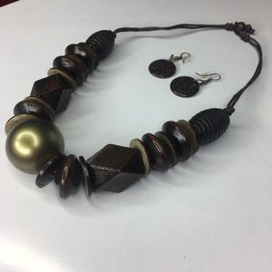 Jewelry - Wooden Necklace Set